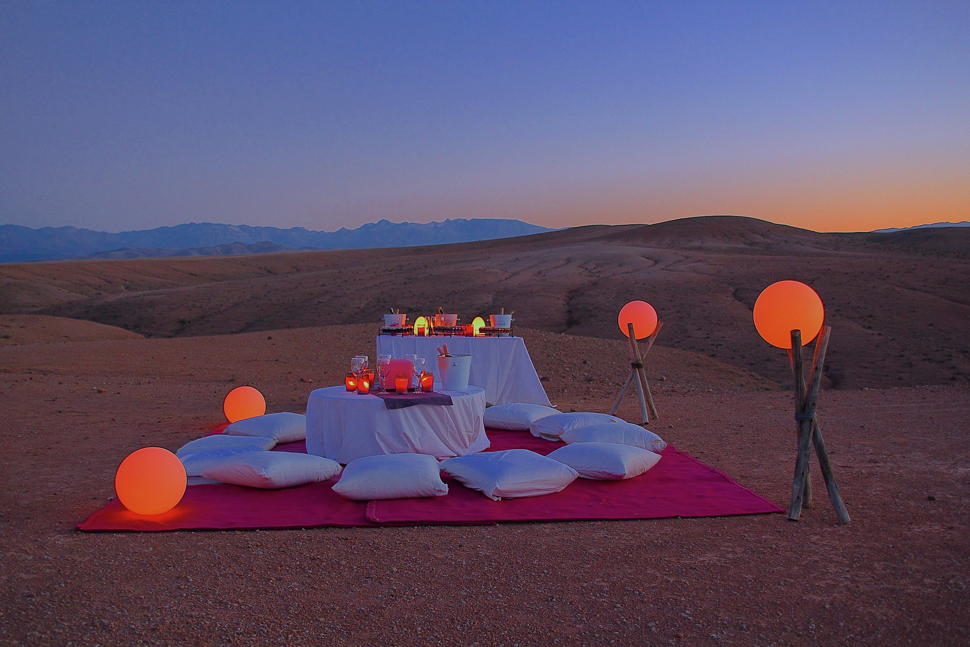 diner désert marrakech agafay maroc