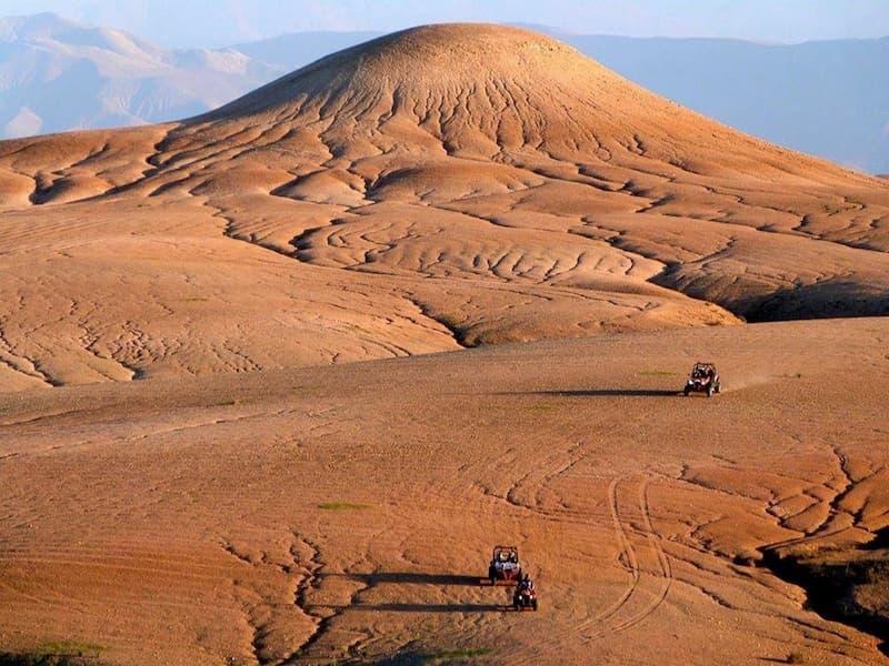 Faire du buggy dans le désert d'Agafay grâce à la Villa Taj Marrakech