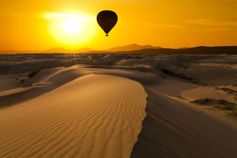 Vol romantique en montgolfière dans le désert de Marrakech