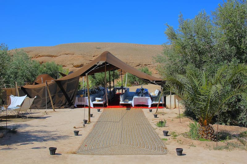 Fêter son anniversaire dans le désert de Marrakech avec Villa Taj