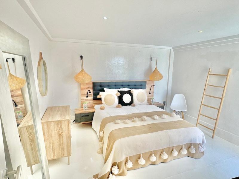 Chambre d'une location de villa à Marrakech pour un anniversaire de mariage