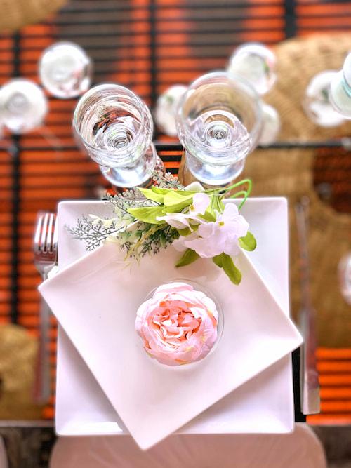 Mise en table romantique pour un mariage à MArrakech